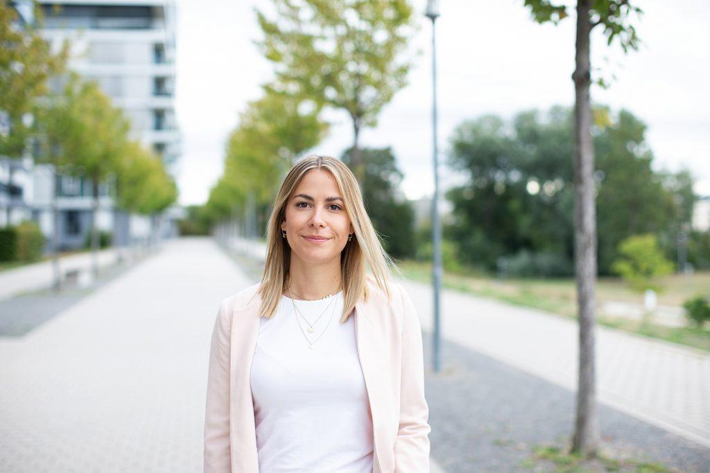 Alina Kosmowski CEO PixxelHouse
